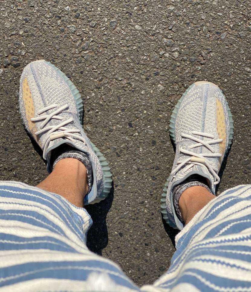 早速履いてみた。 ワンコの散歩にて。 楽ちん! 履きやすい! 良い色! け