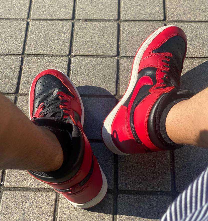 灼熱の中、1時間程度歩き回り履き倒し進めてみた。 暑くて汗で蒸れたので日陰干し