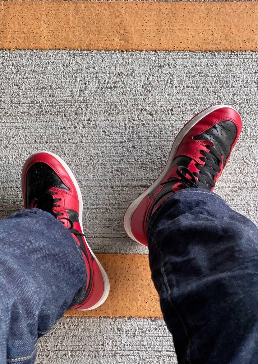 Nグレー買えるかな。 欲しいなぁ。 とりあえず赤黒履き続