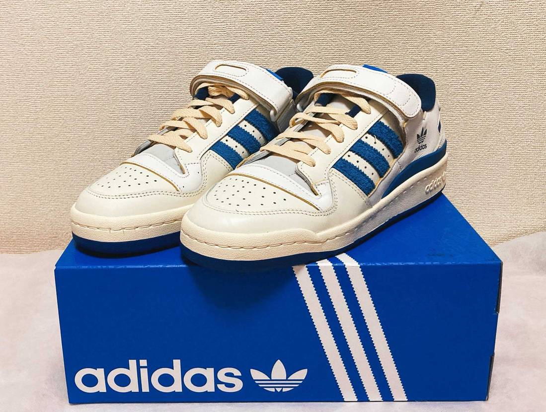 初adidasが今日届きました〜!! サイズ感教えてくれた方ありがとうございま