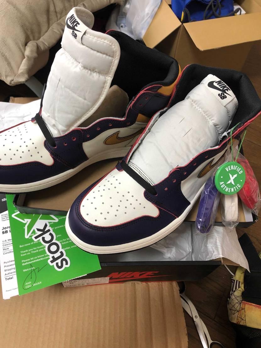 stockXから届いた😆 実物見て、少々高くても買って良かったです💯 履き倒