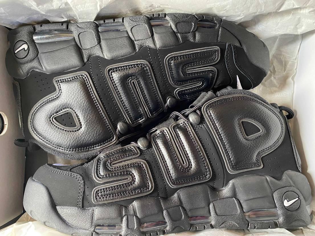 本日、スニーカーコレクションの中からAJ5シュプリーム黒29.5cm新品と、シュ
