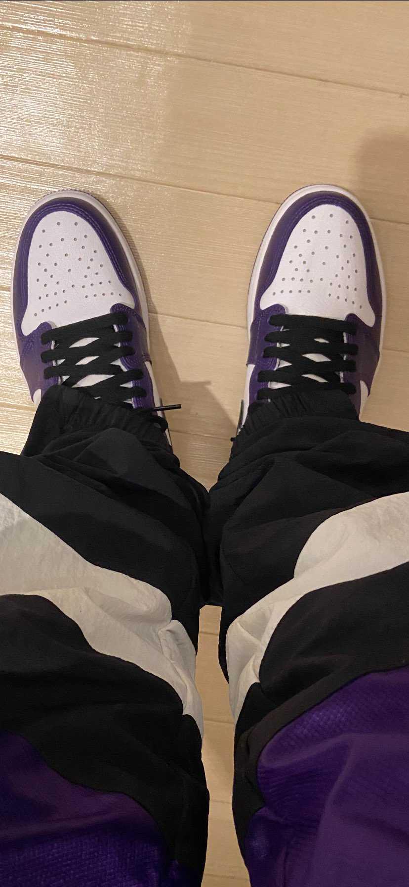 めっちゃ気に入りました!紫だからいかつい感じになるかと思ってましたが、履いて上か