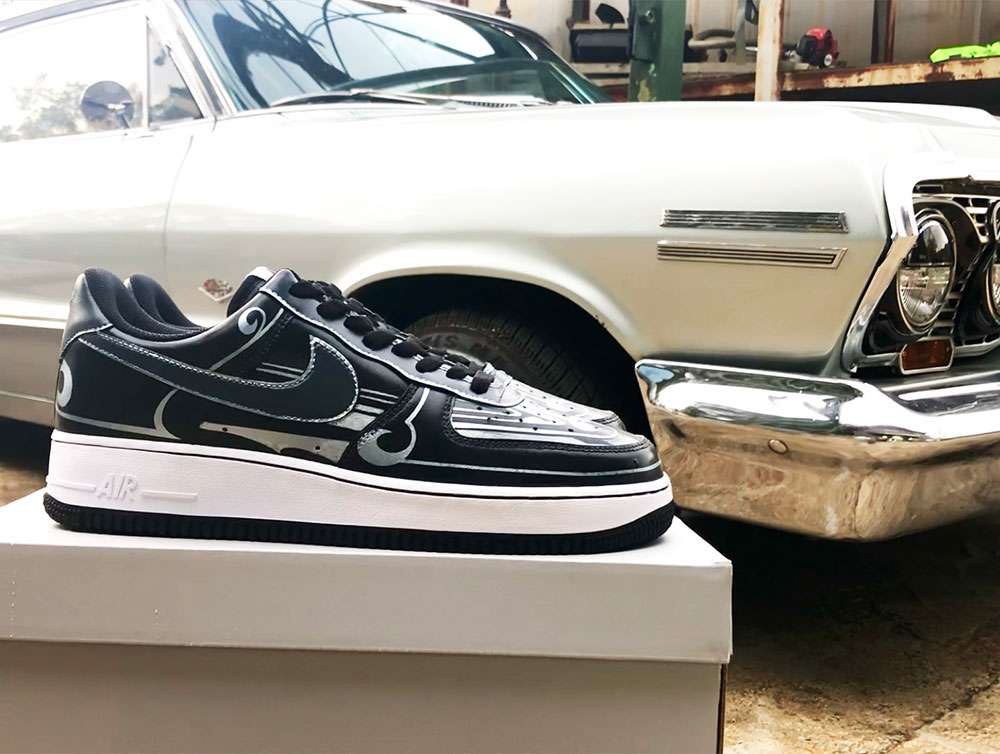 63 Impalaのパターントップとおそろいでスニーカーもカスタムペイントしまし