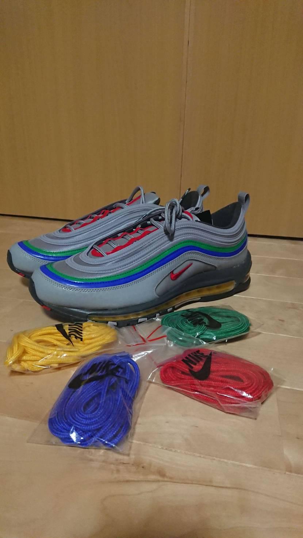 鳥栖にて購入!靴紐どうしよう(^^;皆さんは何色にしてるのだろうか?