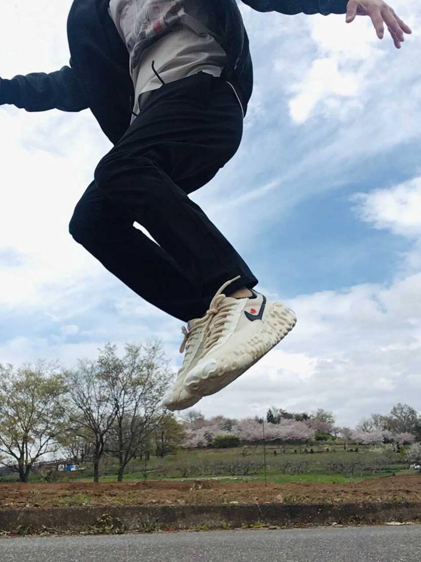 飛んでみたよ! ものすごく履きやすいです。 自分はマイサイの27センチでドン