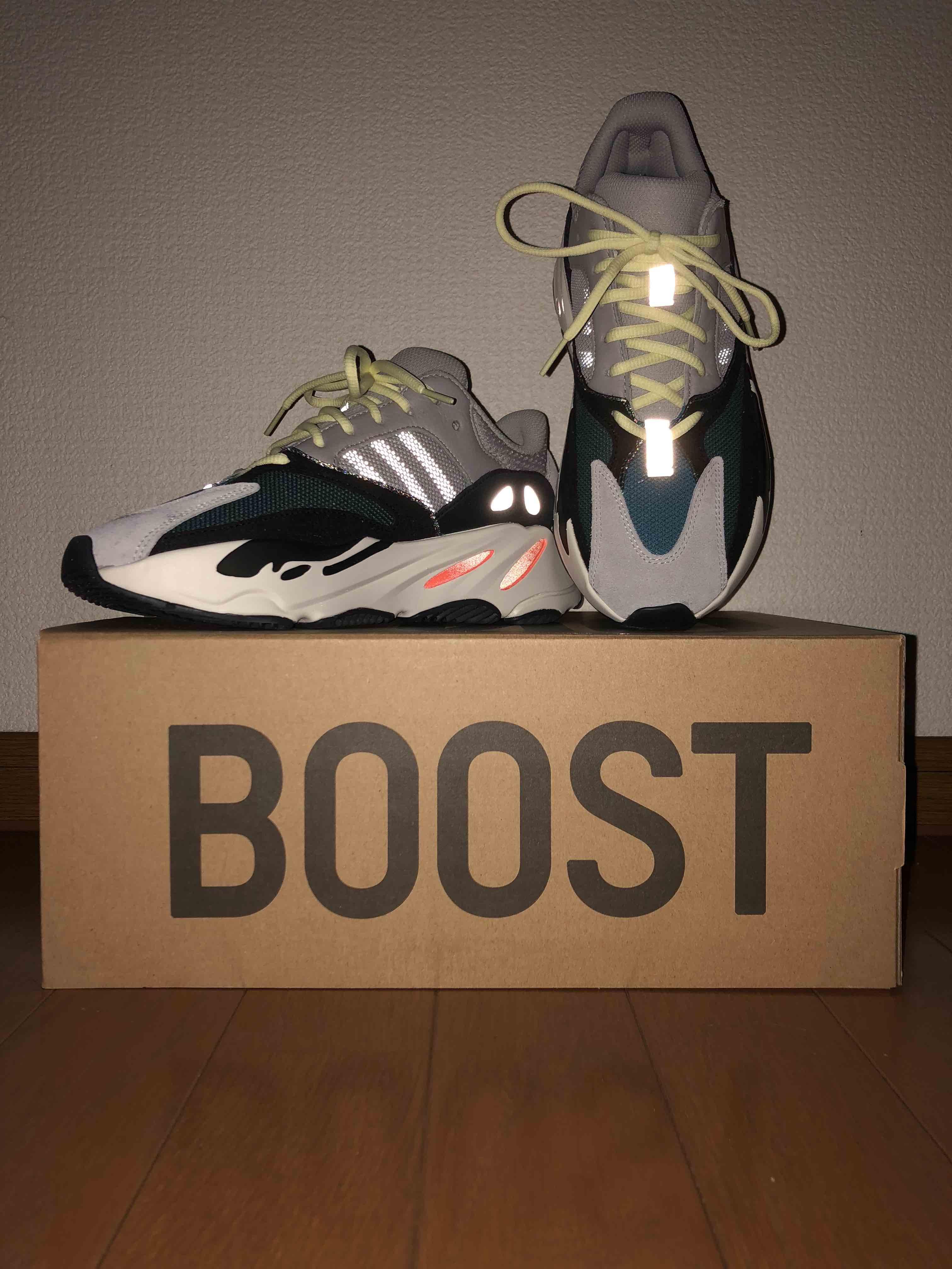 adidas、YeezyBoost700のOGです! 海外でのみ発売してるとき