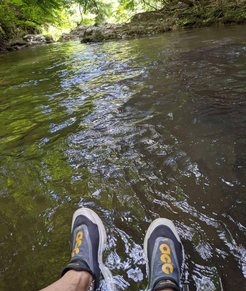 川遊びしてきました! 最&高なギア。 撥水性、軽さ、グリップ力、アウトドアな遊び