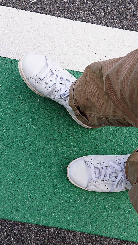 今日はスタンスミス履いてます👟 ひと昔前は履く人が街に溢れかえってましたね😁 ブ