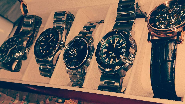 スニーカー好きは普段どんな時計使ってますか?🤔 シンプルに気になったので質問です