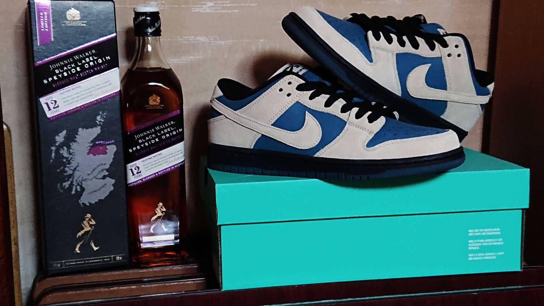 久しぶりちょい高いウイスキー買ったのでスニ呑み🍷 ジョニ黒12年スペイサイドor