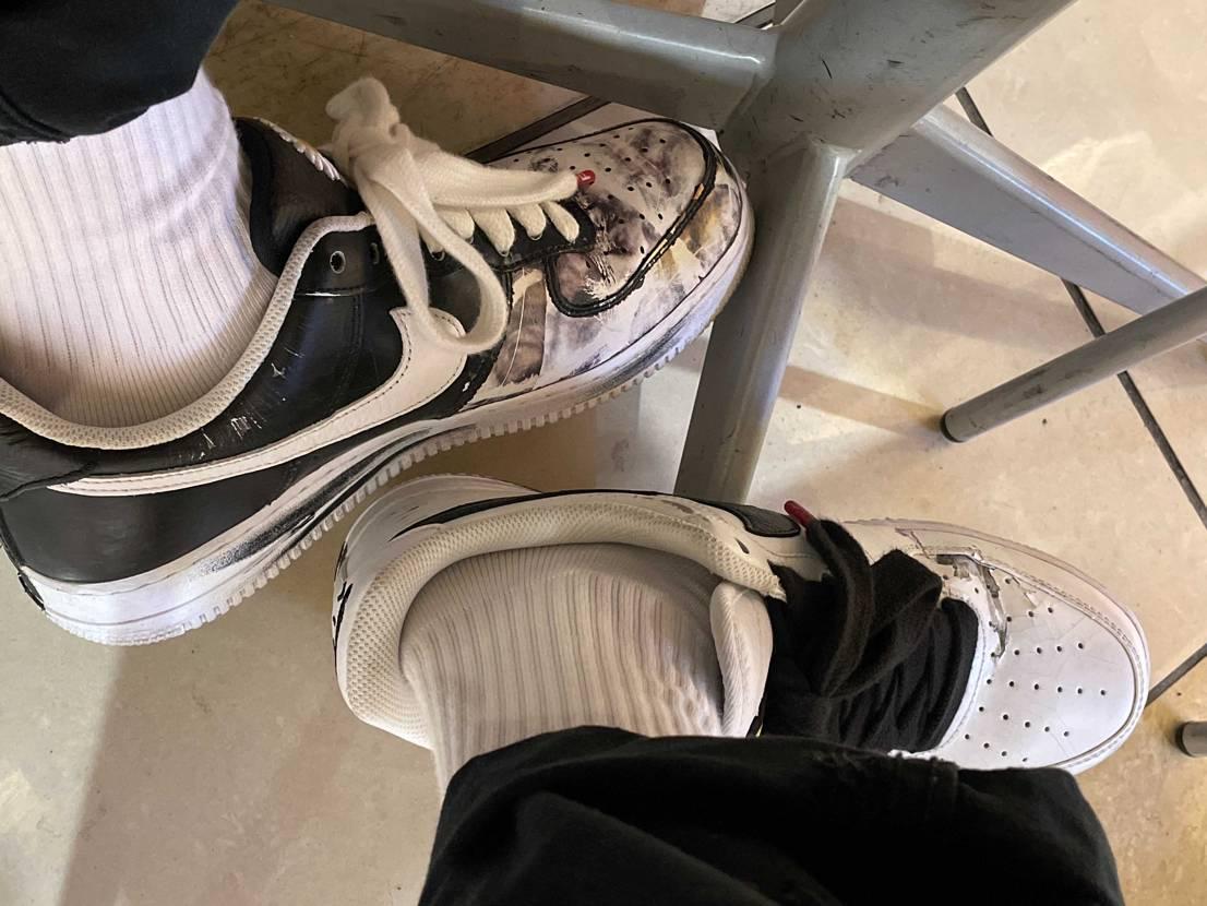 ばか履き🐼左右で剥け具合全然違うのやだわ#af1