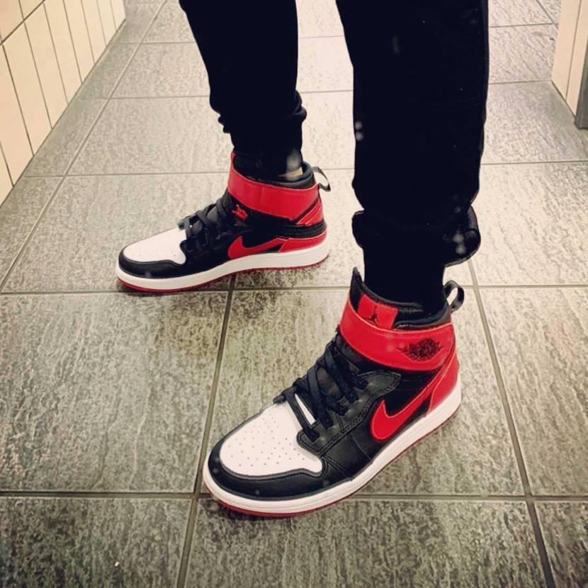 今日の初履き。 Nike Air Jordan 1 Flyease Bred