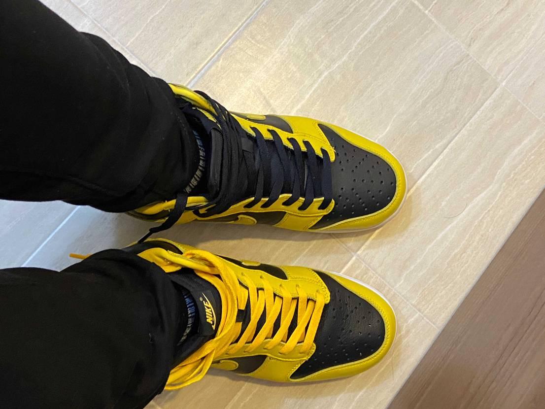 シューレース黄色でいきます…けど黒もいいな迷うな#nike