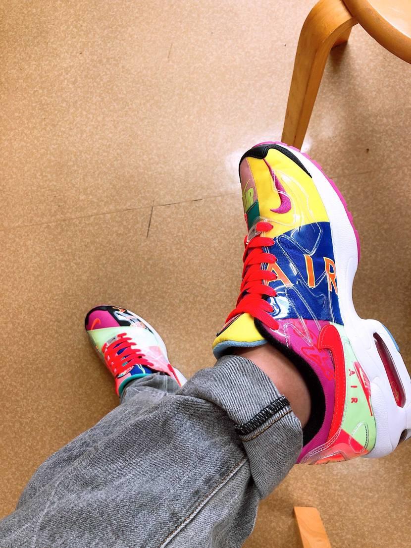 晴れてるしこの靴履いて出掛けたいけど、受験生だから塾にこれ履いてきたぜ😁