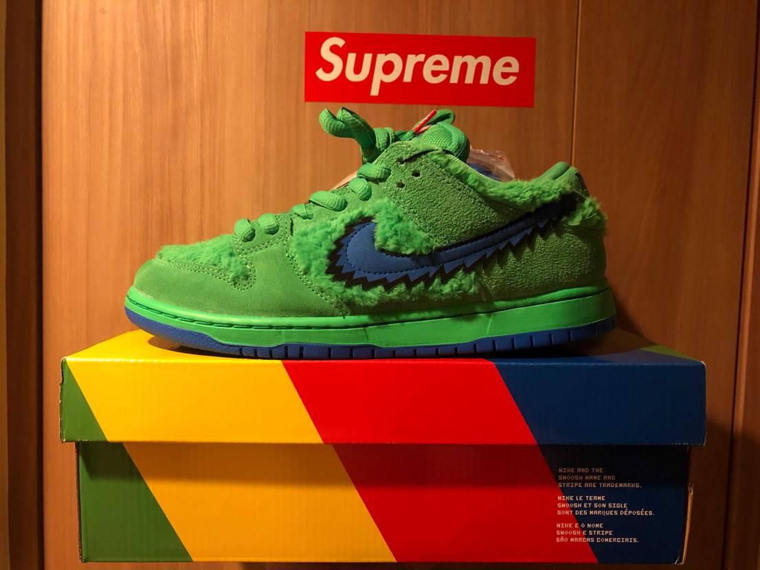 "Nike SB Dunk ""Grateful Dead Green Bear"""
