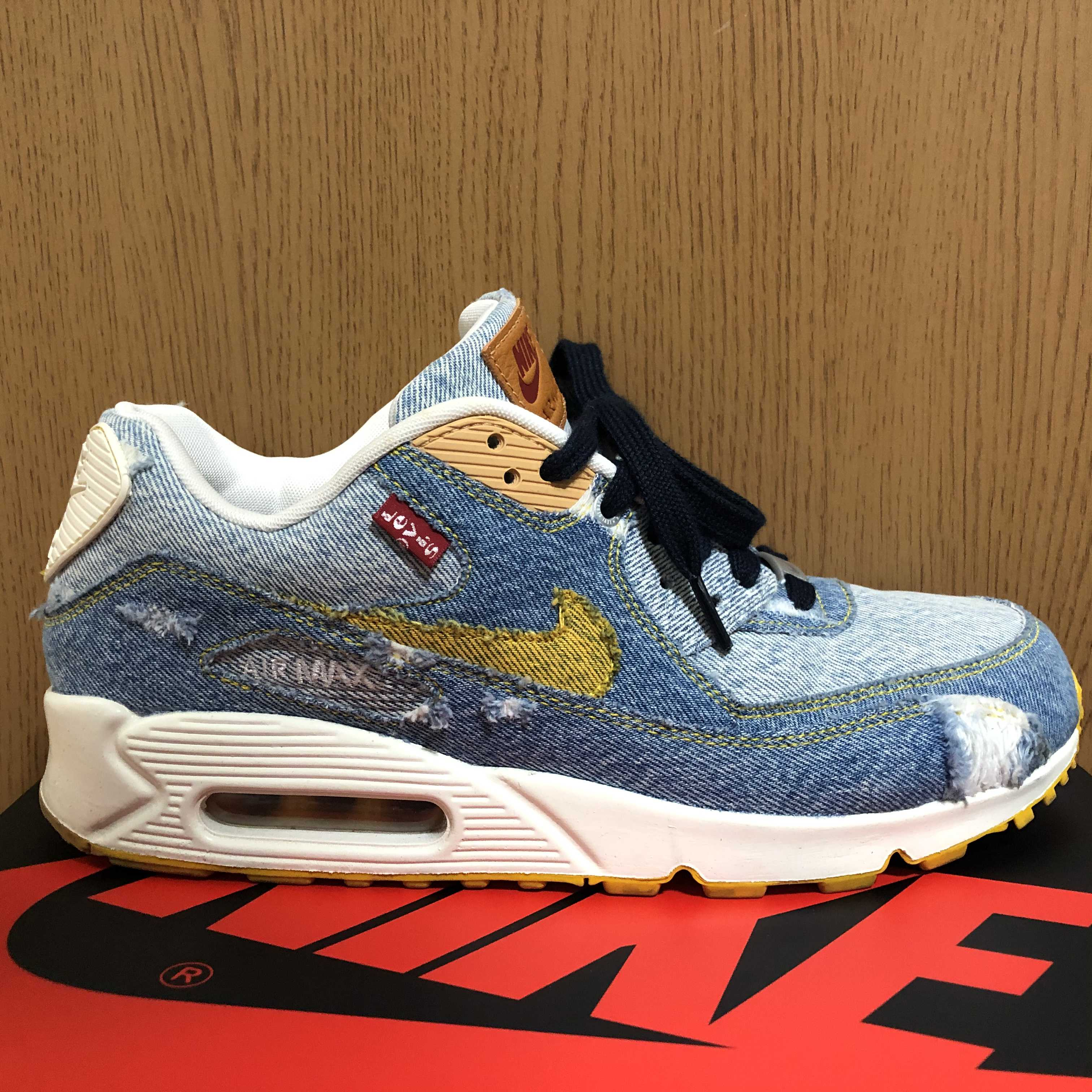 LEVI'S × NIKE BY YOU AIR MAX 90