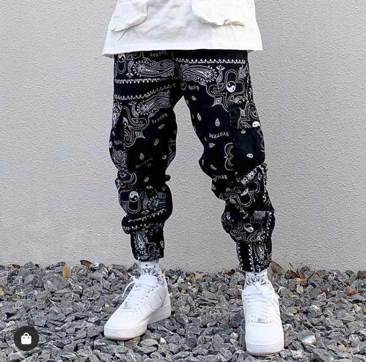 ペイズリー柄のパンツ一着欲しくて買いたいんですけど、結構ペイ