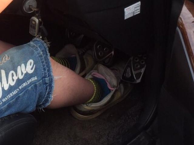 当時スニーカーではなく車ばかりだったので、中学から履いていたこのDUNK嫁に臭い