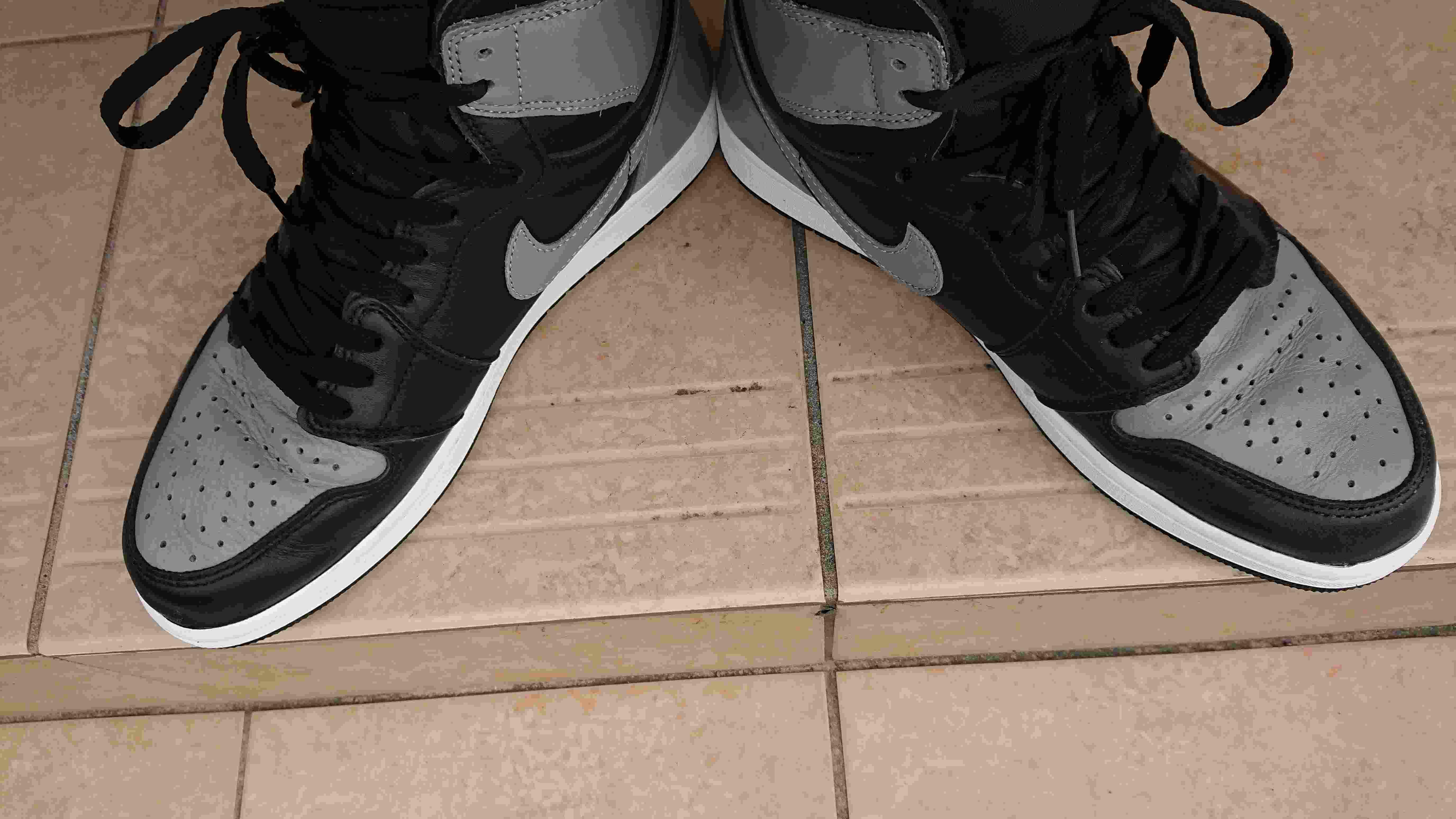 shadowいいですよねぇ。 映画kickを見てからaj1を履きたくて履きたくて