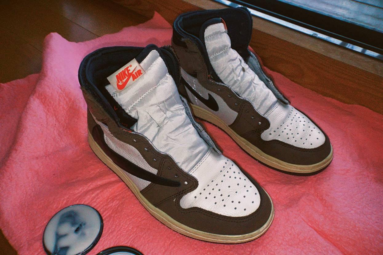 ガシガシ履いてます😋 いまだにシューレース何色か悩む。#nike #aj1