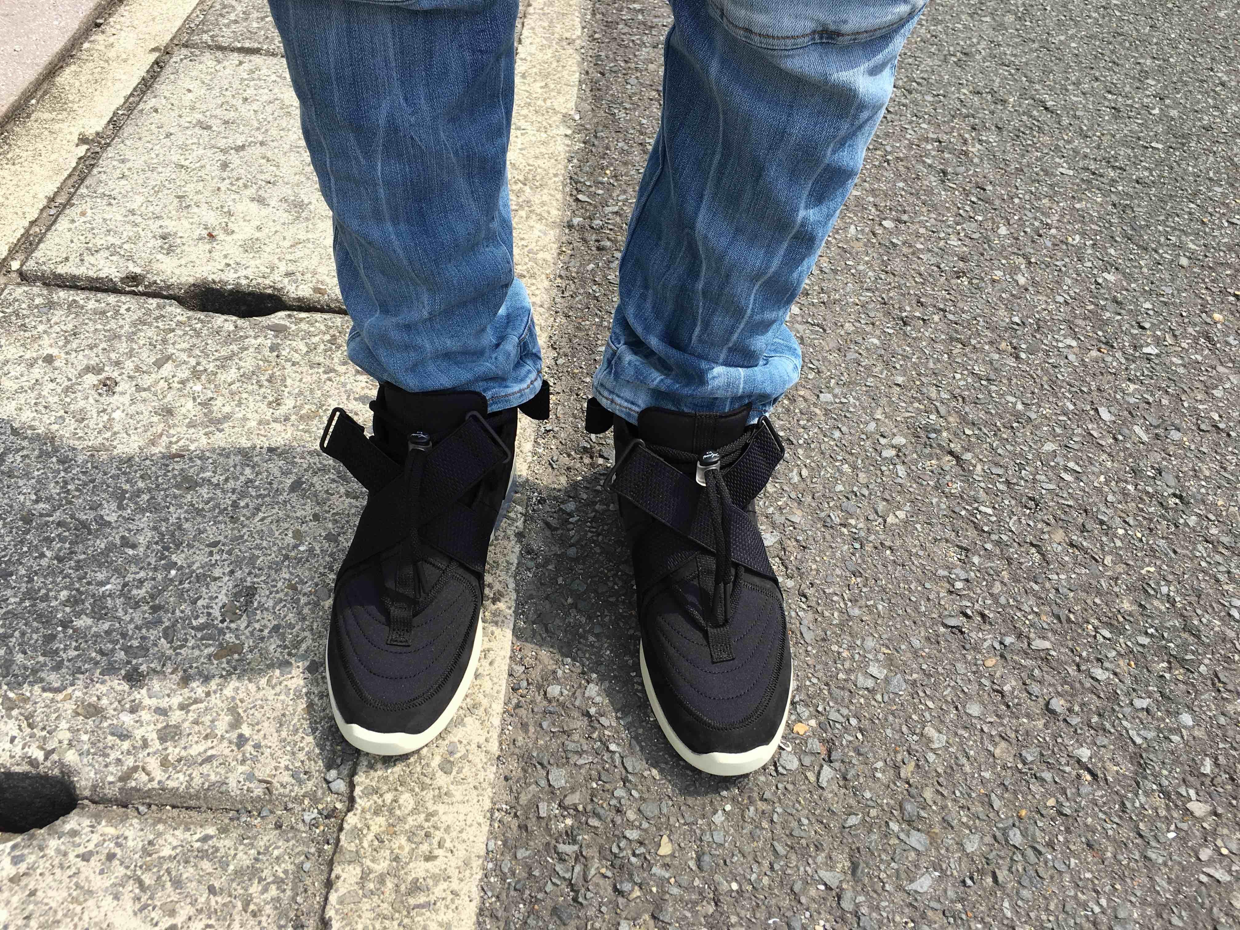 初履き! サイズ感は普通でよく聞く履きにくさもシューレースを緩めてベルトも外し
