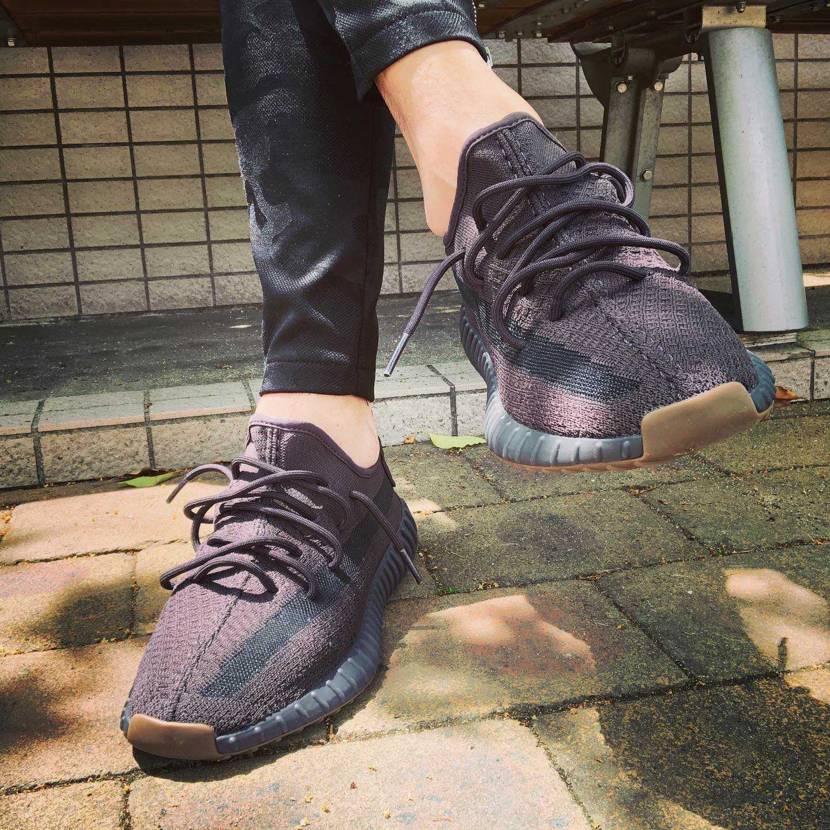 yeezy boost 初購入、何だこの靴はクッショニングが素晴らしい😄歩いてて