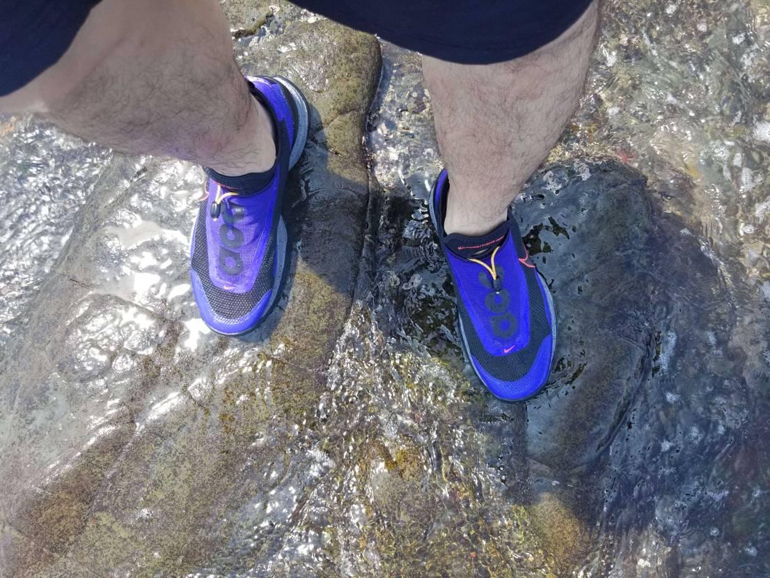海の岩場で使ってみました✨ 苔なんかだと滑ります。 でも、かっこいいからか気分は