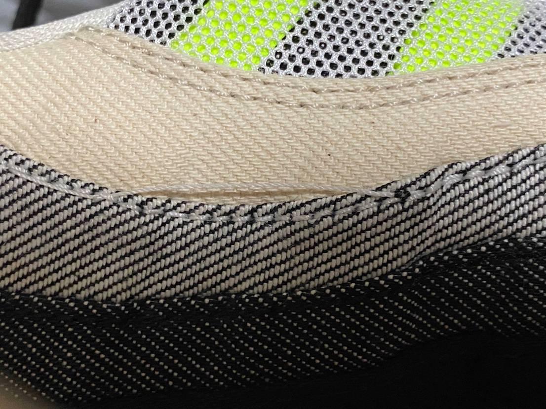 今何となく見てたら明らかに糸を巻き込んで二重縫いになったり余分な糸が飛んで引っ付