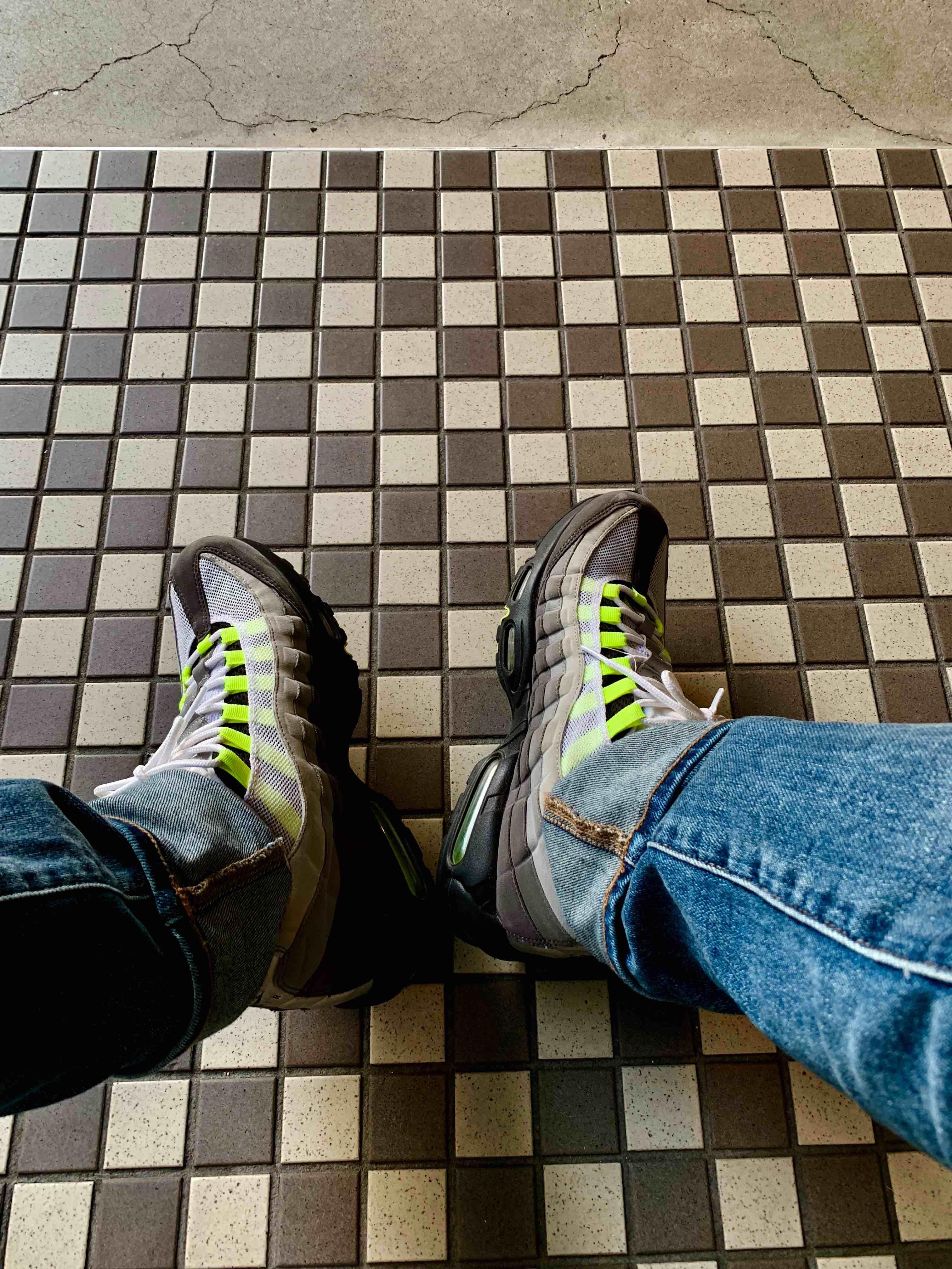 エアマックス95イエローグラデ どんなファッションジャンルの人からも絶大な支持