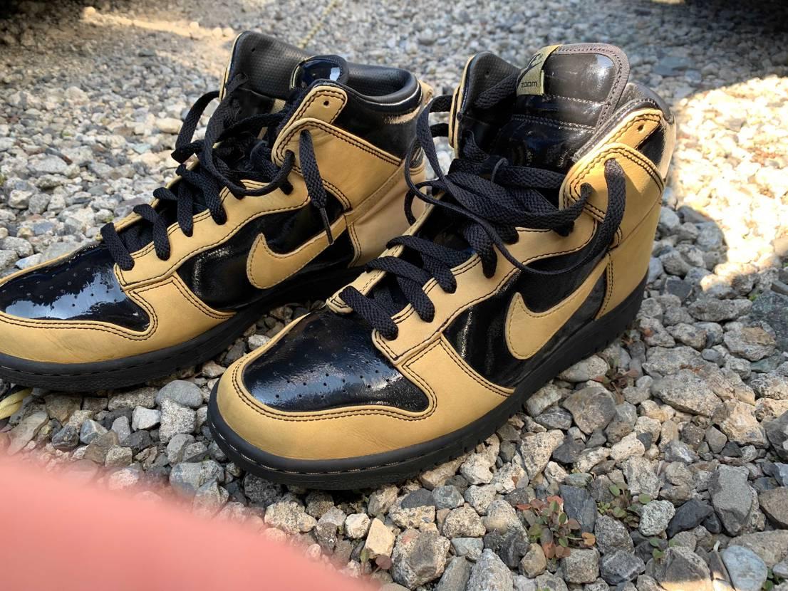 この靴わかる方いますか?