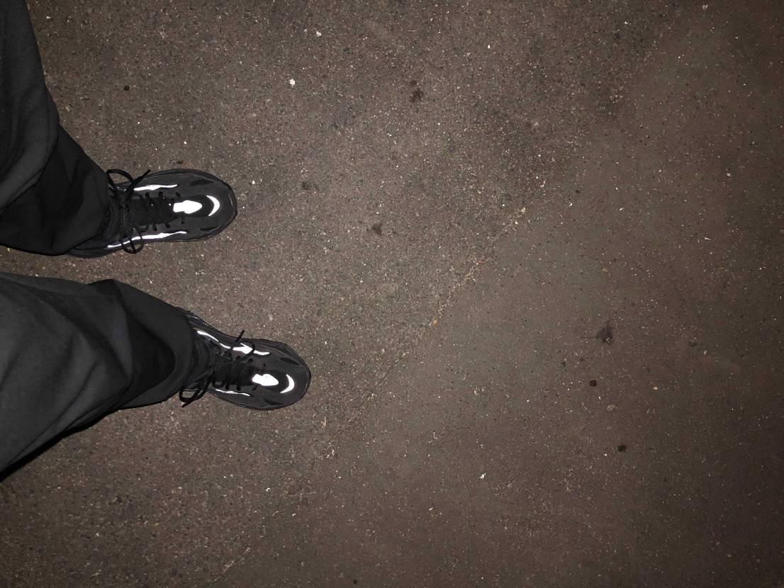夜のお散歩 結構寒いけど足元は暖かいぞ!