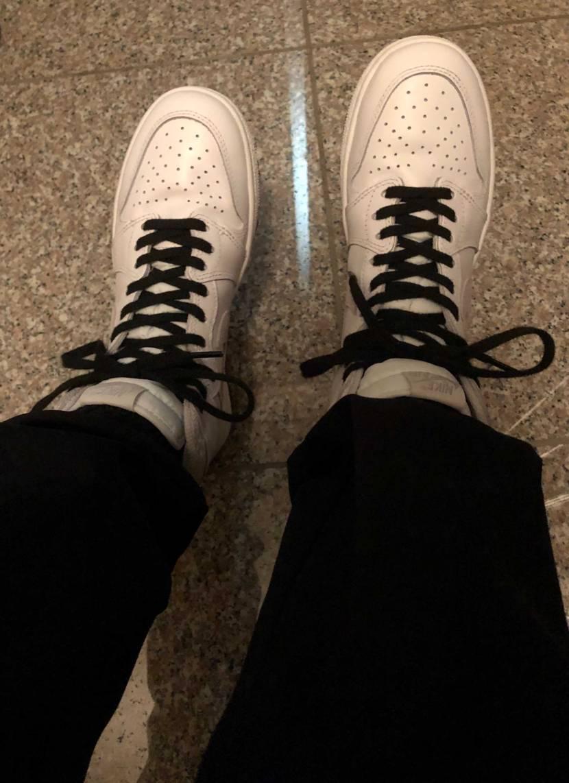 最近履けてなかったけど久々足を入れてみたら新品よりもかなり柔らかくなってました