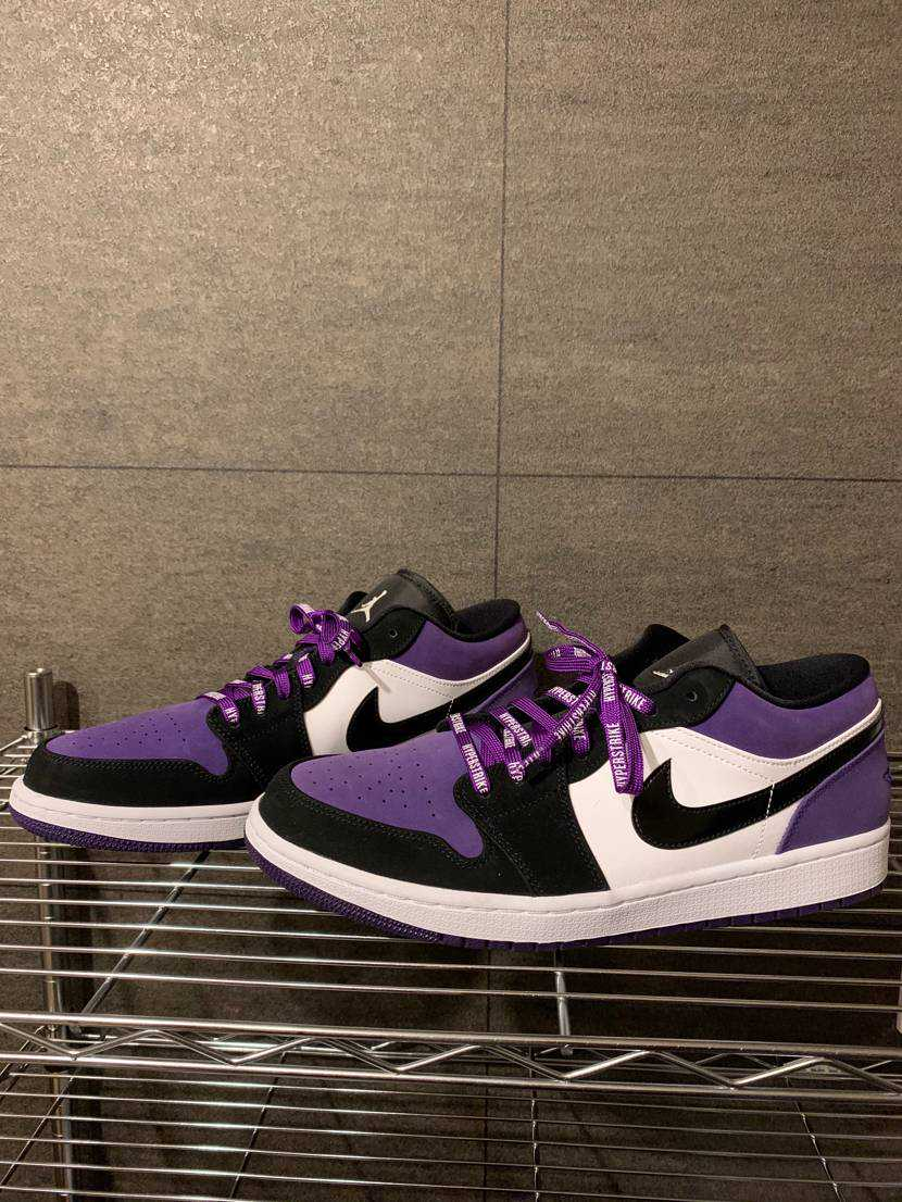 ジョーダン1 LOW  紫のシューレースに交換してみた。