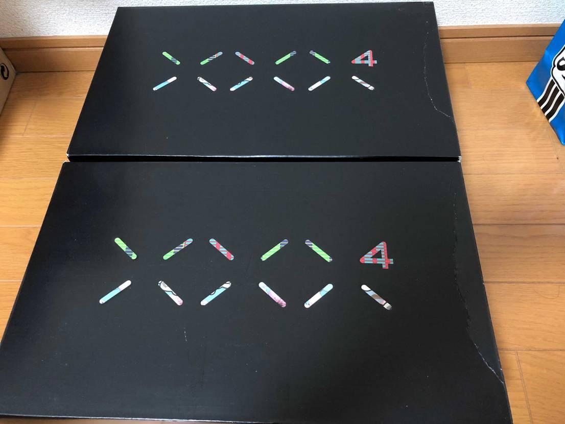 先行販売と抽選の両方買えて別々に届いたけど両方同じ形に箱が潰れてる。スペボだけに