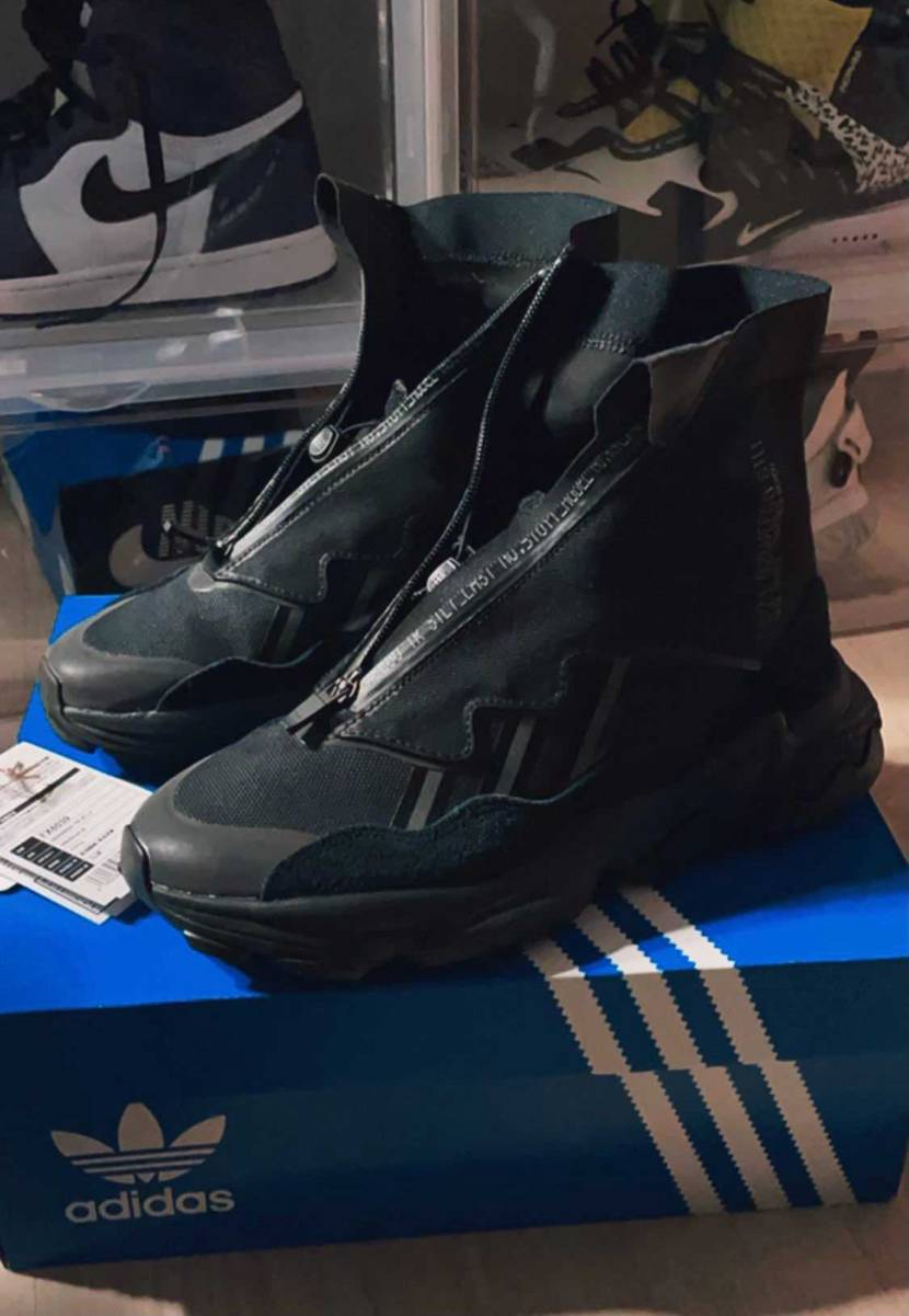 adidas OZWEEGO TR STLT  なかなかイかす