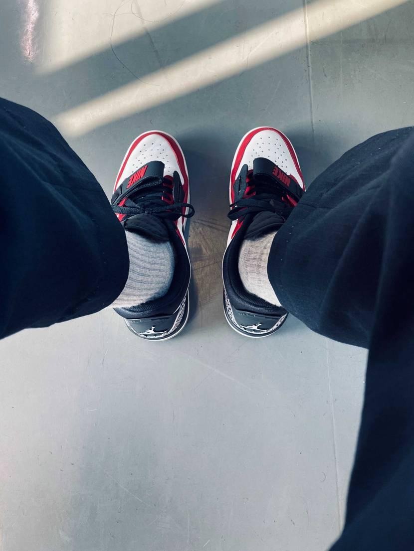 学校用にジョーダンレガシー 履きやすくて良い。