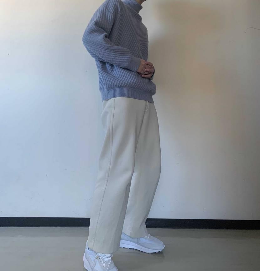 sakai軽くて履きやすかったからいい感じだけどソールが白だから毎回掃除が大変