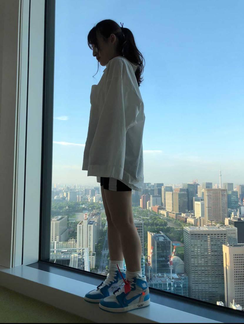 これ履いてる女の子日本で何人?🥺 センス良すぎ⤴️ ※一般人です