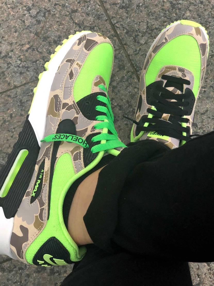 Green Camo履き下ろしたぜぃ✨ 付いてた蛍光のレースじゃなくて、試しに