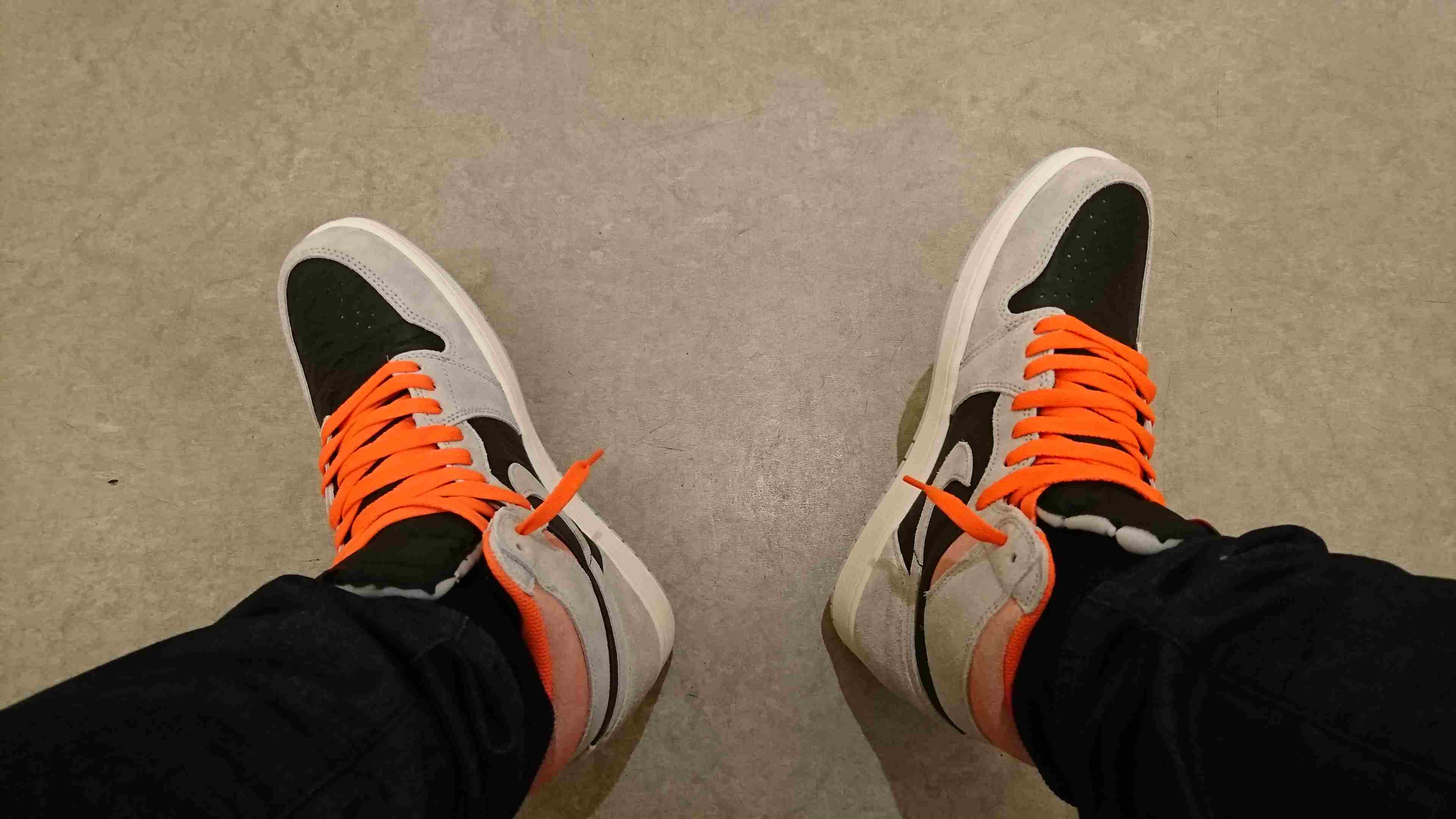 黒紐も良いけどオレンジも良いね(o´罒`o)