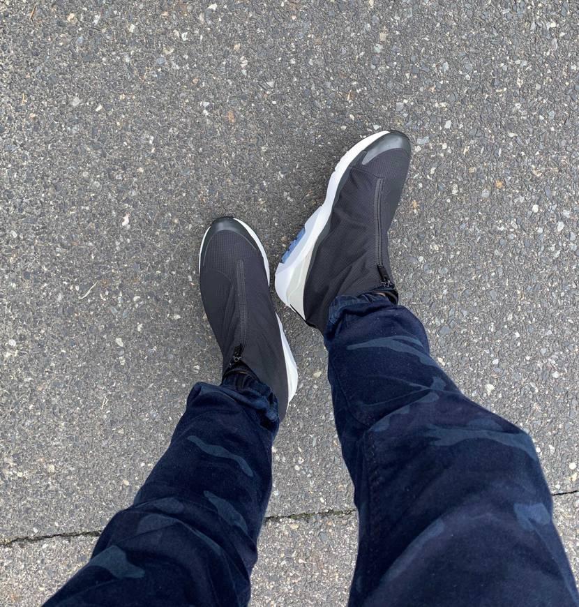 雨のやみ間に 初履き🎵  マイサイだと ちょっとデカいかな💦  足が綺麗