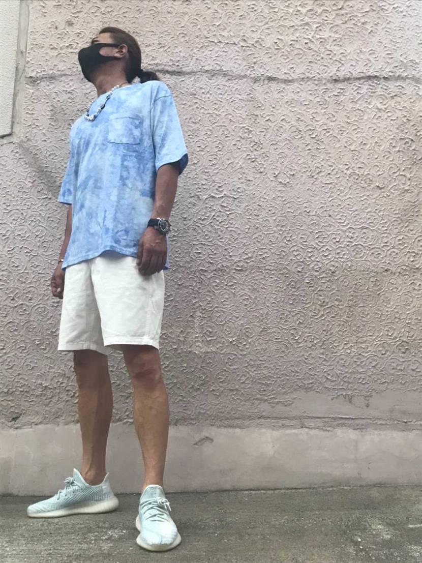 クラウドホワイト 初履き😆⤴️  実物は 青色 強めで   夏に ピ