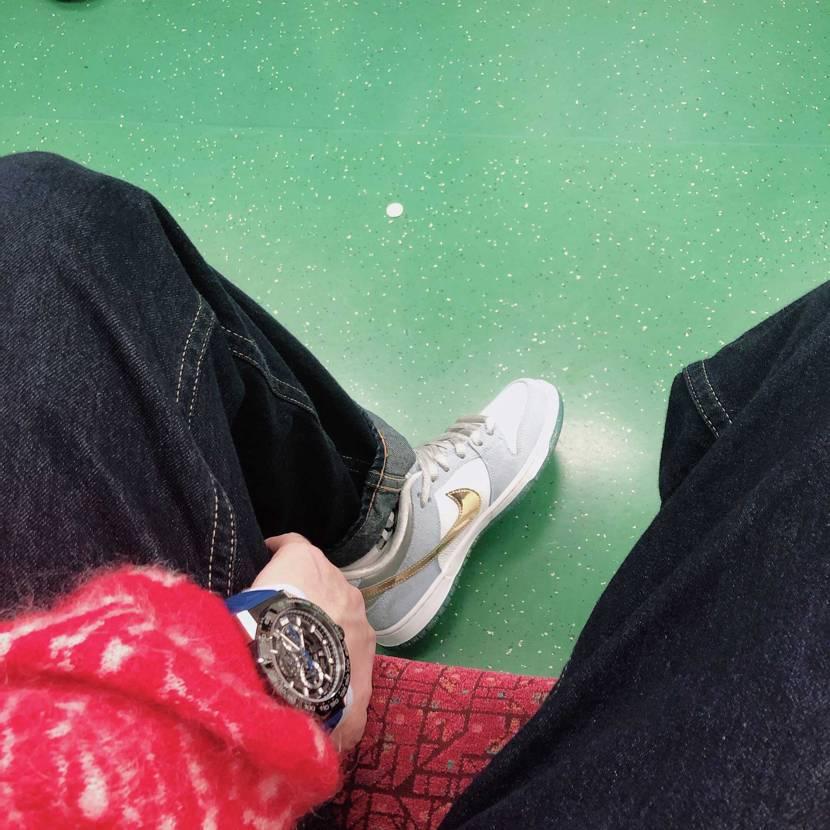新宿とかで歩いててもかぶんねーからガシガシお出かけ用にしとる👌 シューグーして
