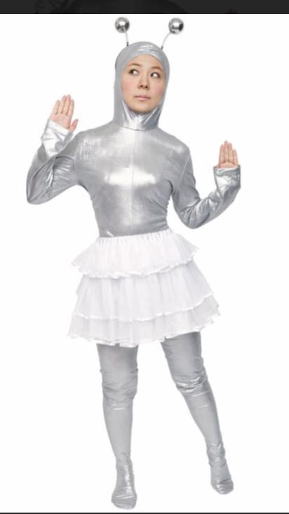 合わせる服に迷ったら、この服にしましょう! 絶対に合います。