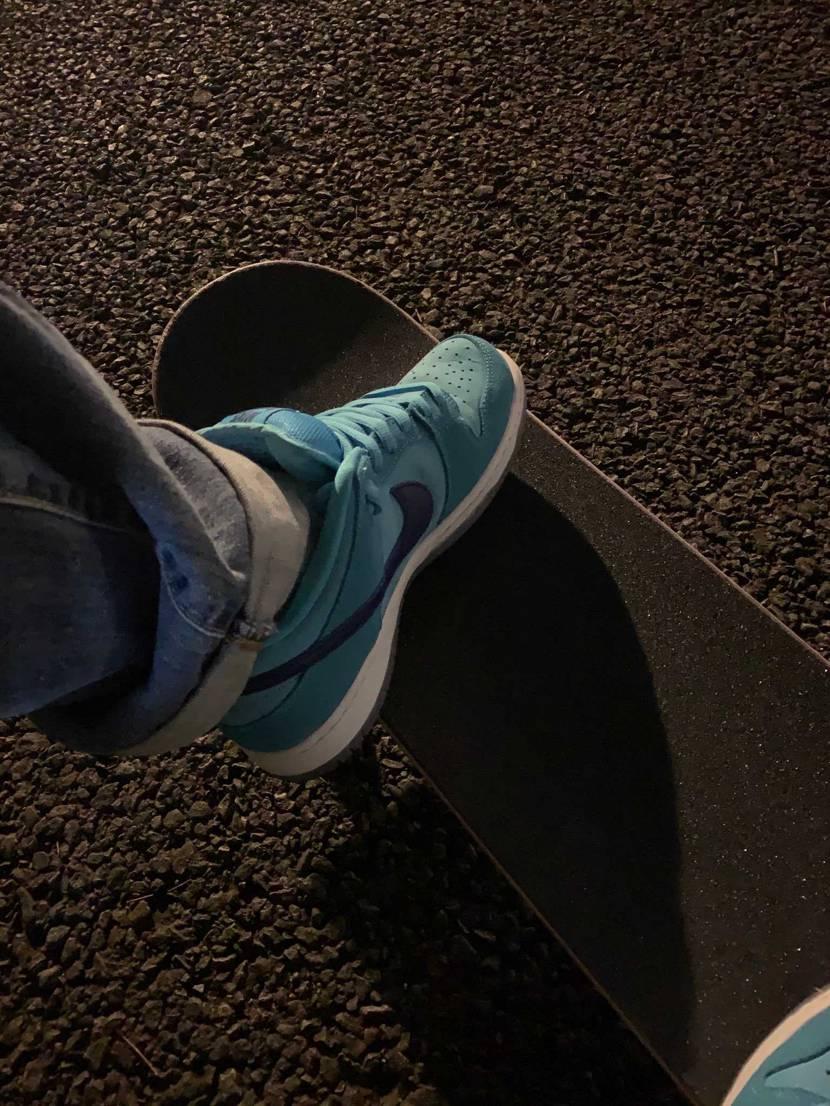 昨日blue fury履いてスケボー行ってきた!  まあ写真撮ったらすぐva
