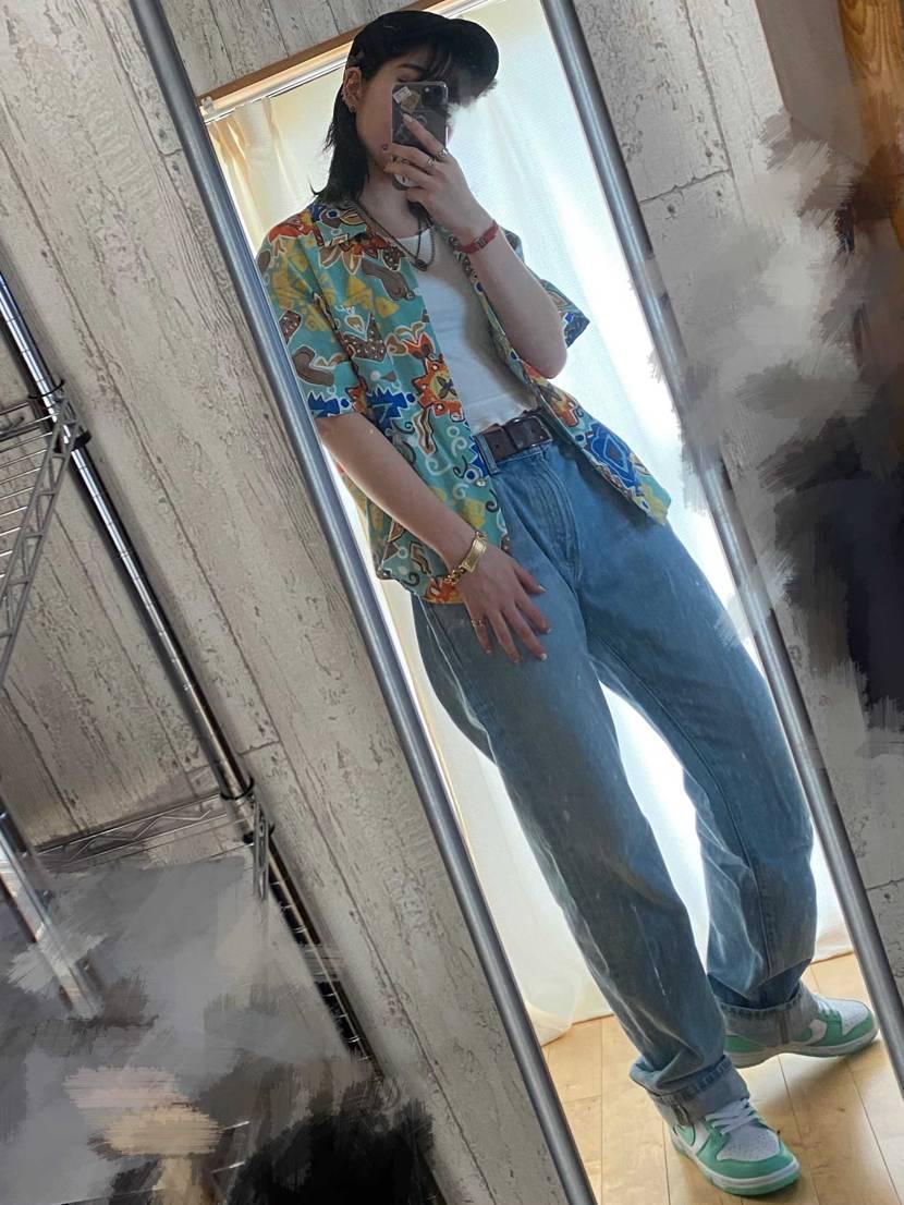 やっぱ可愛すぎるグリーングロウ💚 夏は柄シャツがええんじゃって。 #スニーカ