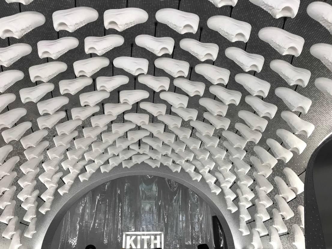 kith tokyoざしたー😭😭😭 初めて定価で買えた😭😭😭 ジャンケンして