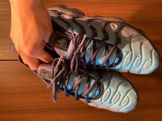 スニーカーの沼にハマったのは3年前に買ったこの靴からでした👟この靴もお気に入りで