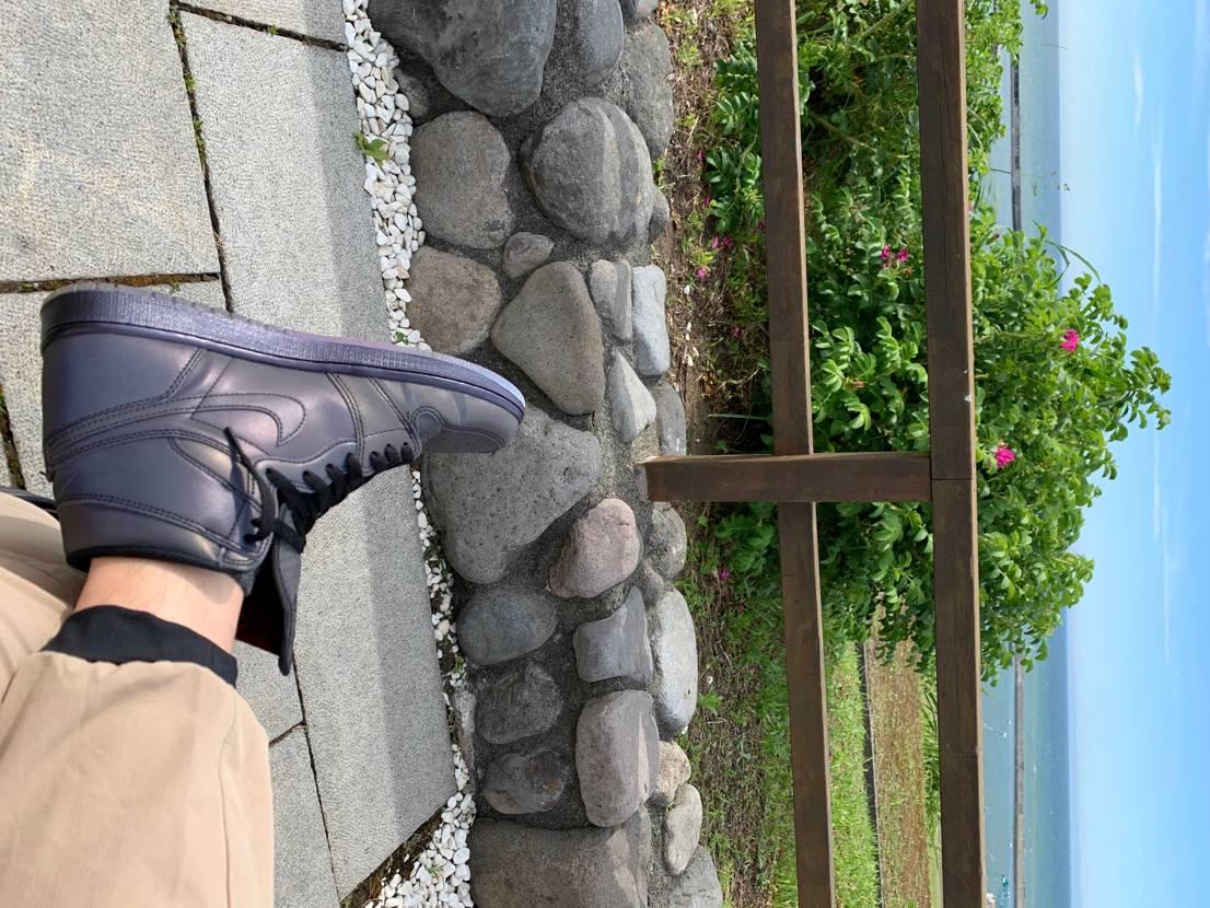 久々のジョーダン1😎北海道苫前の海を眺める